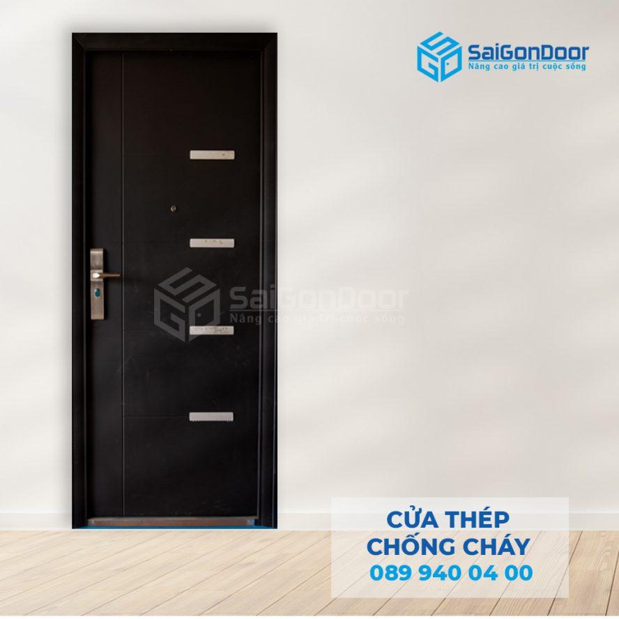 Cua thep chong chay P1 den