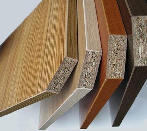 Cửa gỗ công nghiệp hdf khó phân biệt bằng mắt thường với loại cửa gỗ khác