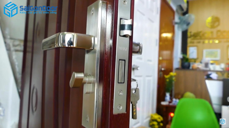 Mẫu khóa cửa gỗ công nghiệp HDF Veneer
