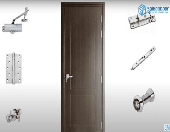 Hầu hết các phụ kiện dùng được trên cửa gỗ thì đều có thể lắp đặt trên cửa nhựa COMPOSITE.