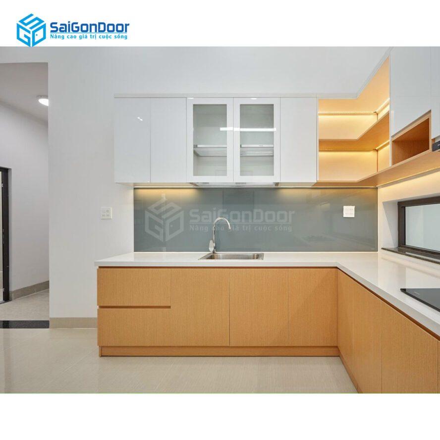 Mẫu 31: Mẫu tủ bếp chữ L thích hợp cho căn bếp của bạn sang trọng và ấm áp