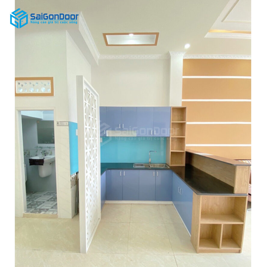 Mẫu 41: Mẫu tủ bếp L màu xanh ngọc tạo cảm giác nhẹ nhàng