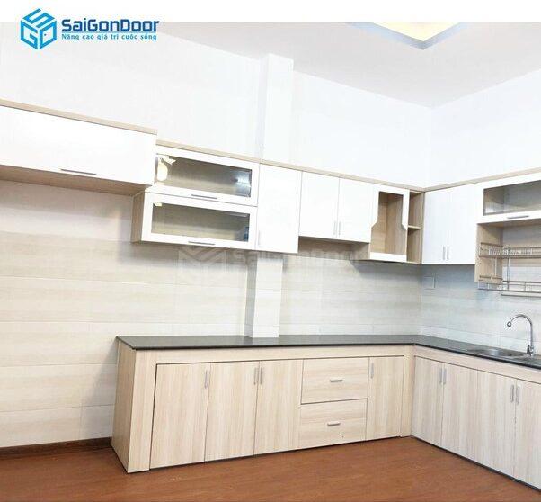 Tủ bếp nhựa cao cấp thiết kế vân gỗ