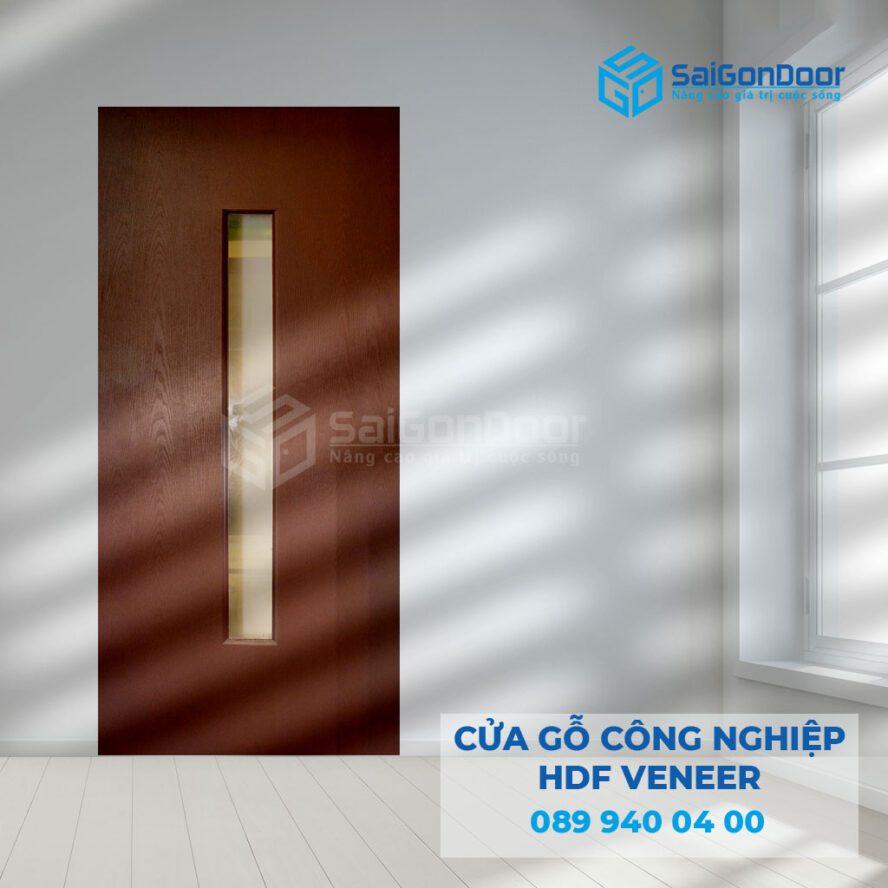 Cửa gỗ công nghiệp HDF Venner dạng ô kính